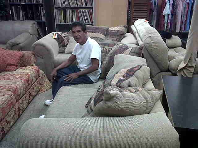 Family receives couch set
